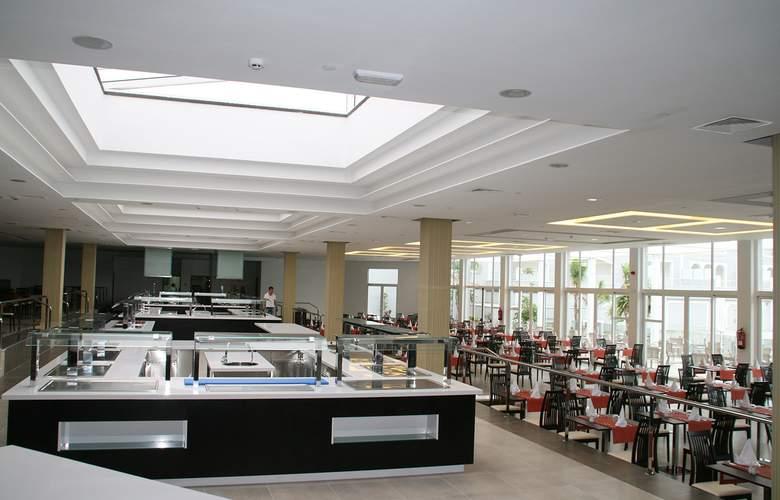 Sensimar Royal Palm Resort & Spa - Restaurant - 4