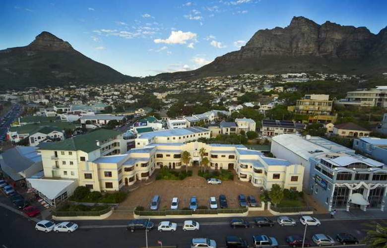 Camps Bay Resort - Hotel - 8