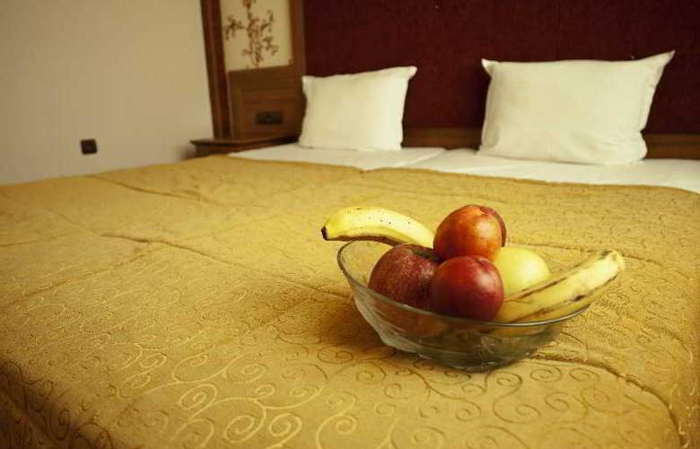Star Hotel - Room - 6
