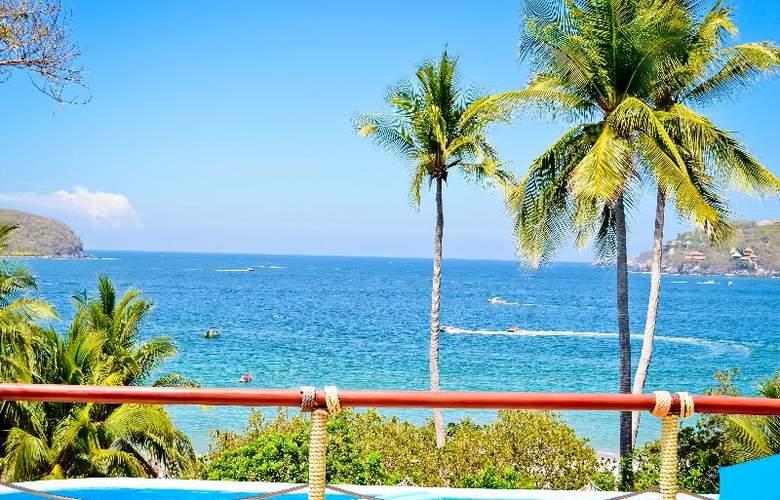 Catalina Beach Resort - Pool - 25