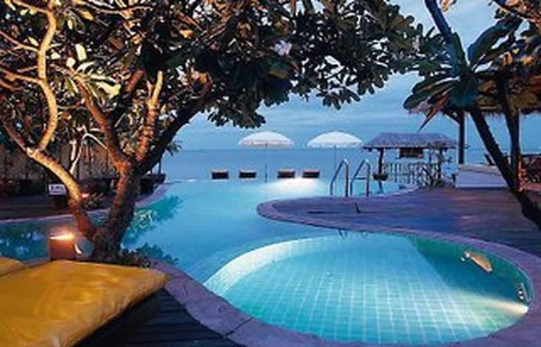 Supatra Hua Hin Resort - Pool - 4
