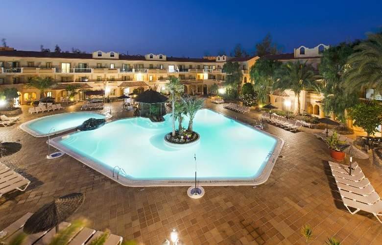 Elba Lucía Sport & Suite - Pool - 14