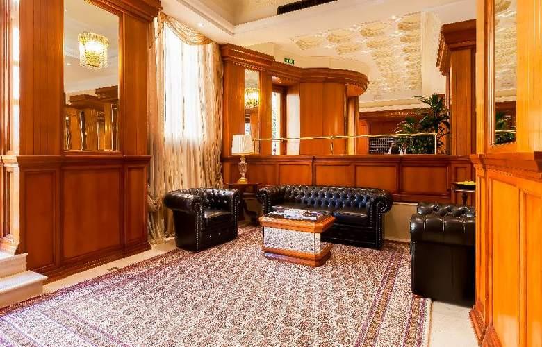 Grand Hotel Ritz - Hotel - 0