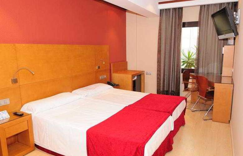 Reding - Room - 3