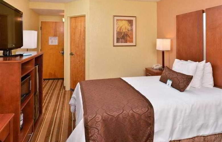 Best Western Plus Richmond Airport Hotel - Hotel - 43