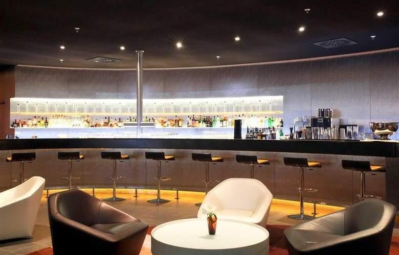 Novotel Muenchen Airport - Bar - 66