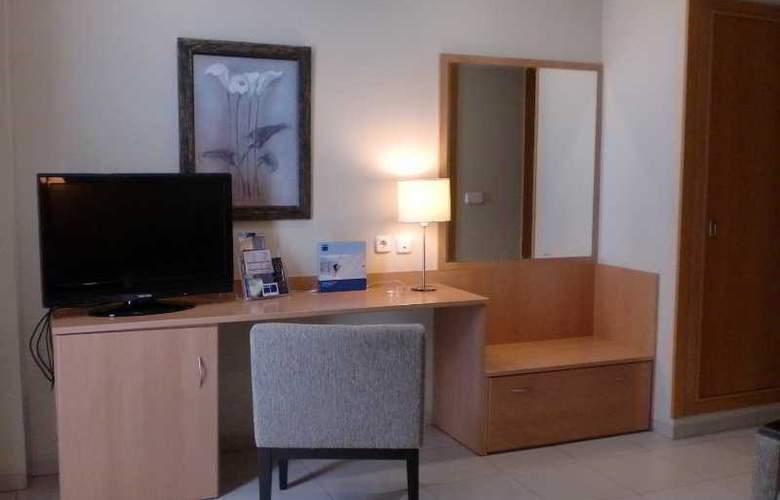 Hotel y Apartamentos (3LL) Lodomar Spa & Talasoterapia - Room - 5