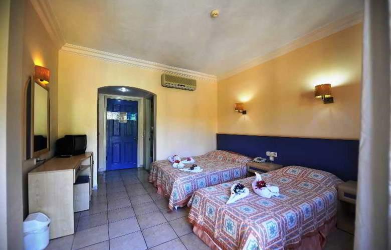 Montebello Beach Hotel - Room - 6