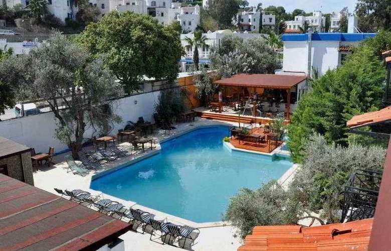 Centro Hotel Bodrum - Pool - 2