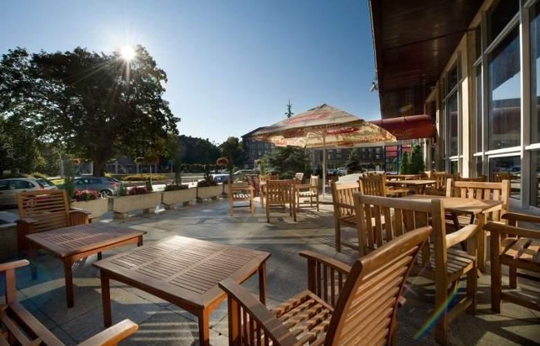 Apollo Hotel Bratislava - Terrace - 13