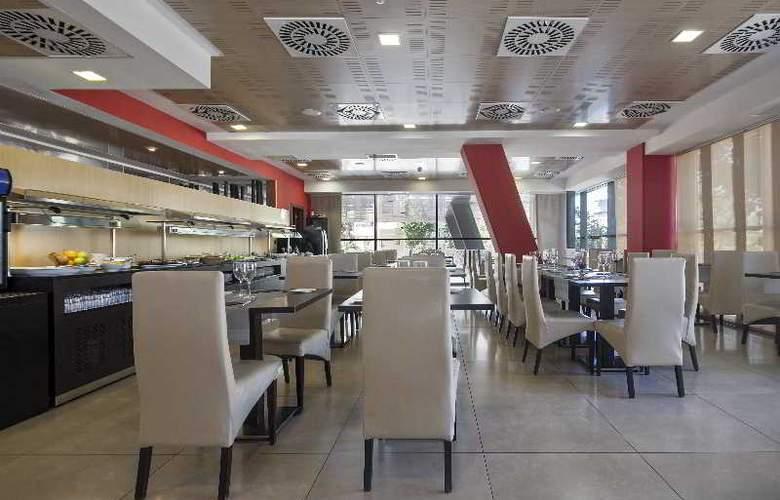 Best 4 Barcelona - Restaurant - 51