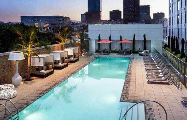 Courtyard By Marriott Los Angeles L.A. Live - Pool - 21