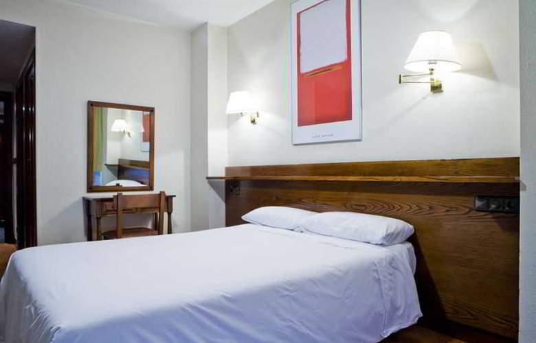 IBILTZE - Room - 8