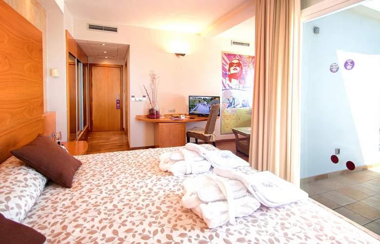 Servigroup Marina Playa - Room - 9