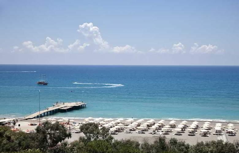 Sunrise Park Resort & Spa - Beach - 32
