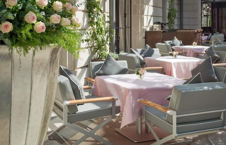 The Peninsula Paris - Terrace - 7