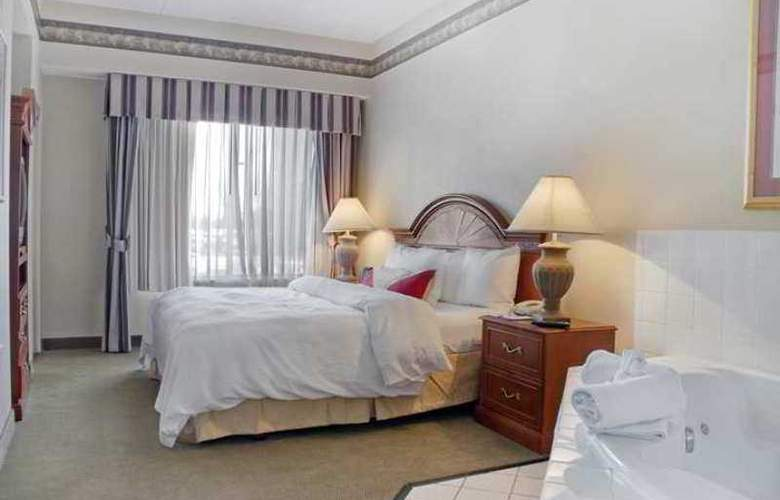 Hilton Garden Inn Bloomington - Hotel - 10