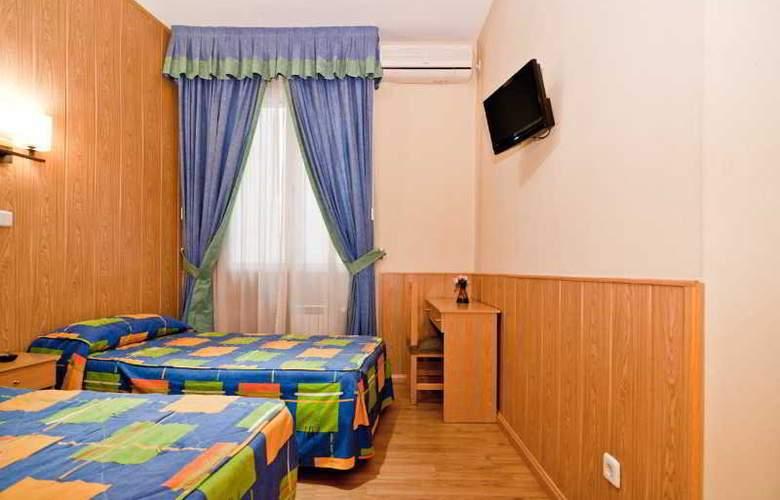 Oporto - Room - 32
