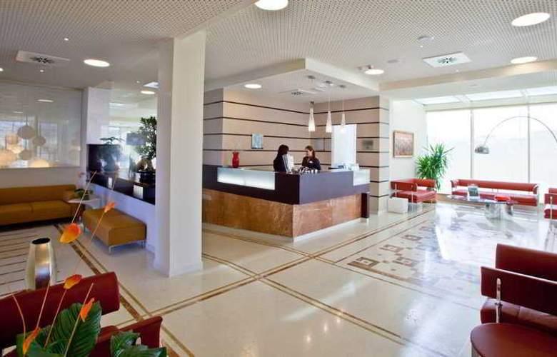 Breaking Business Hotel - General - 1