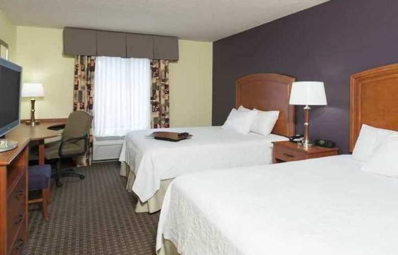 Hampton Inn & Suites Grand Rapids-Airport 28th - Hotel - 4