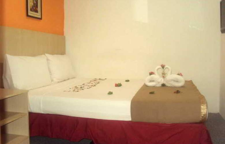Starcastle Golden Palace Hotel - Room - 6
