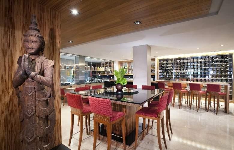 Holiday Inn Bangkok - Bar - 14