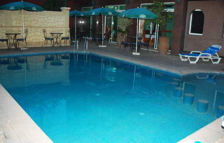 Hotel Akabar - Pool - 28