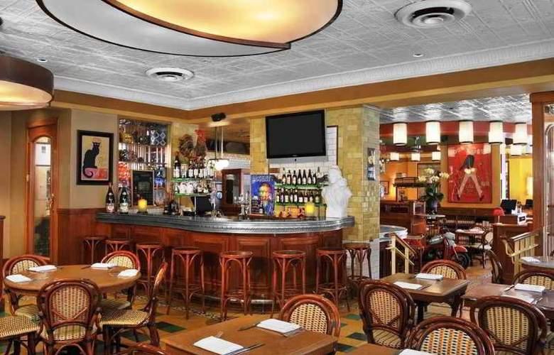 Hilton Garden Inn Times Square - Restaurant - 8