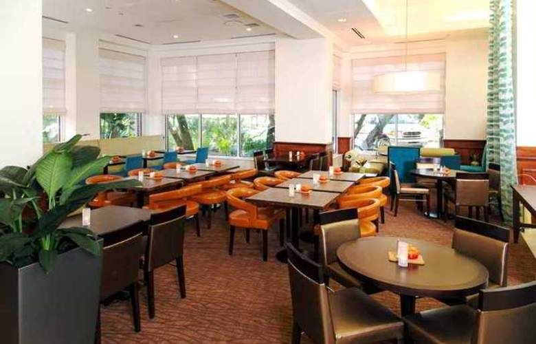 Hilton Garden Inn Tampa East/Brandon - Hotel - 6