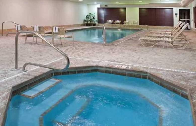 Hampton Inn & Suites Grove City - Hotel - 1