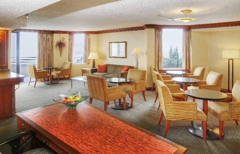 Hilton Garden Inn Ottawa Downtown - Bar - 0
