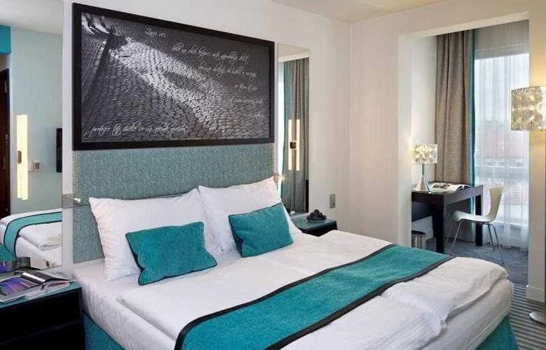 Red & Blue Design - Room - 6