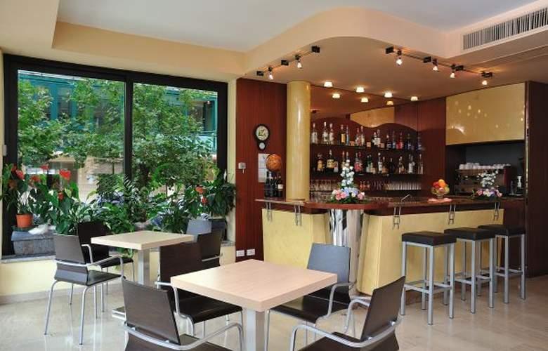 Ausonia - Hotel - 1