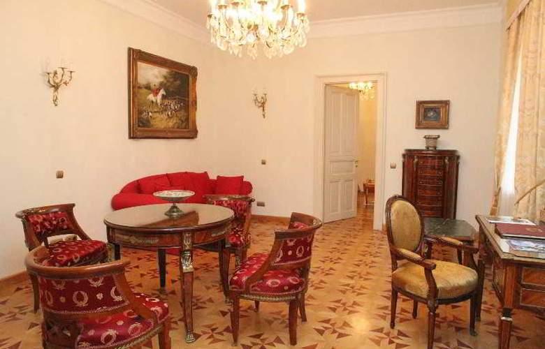 St George Residence - Room - 12