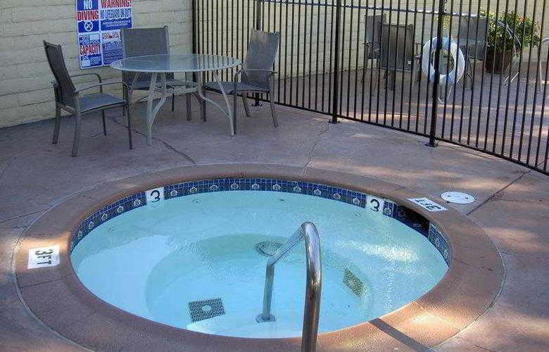 Best Western Americana Inn - Hotel - 30