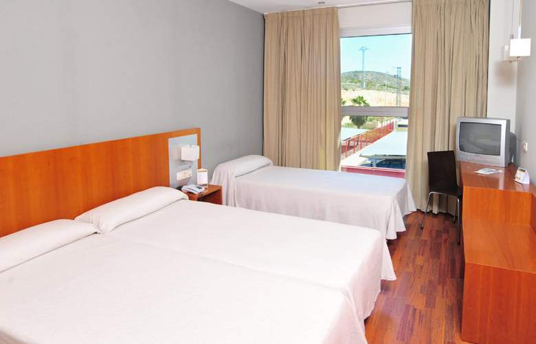 Ag Express Elche - Room - 8