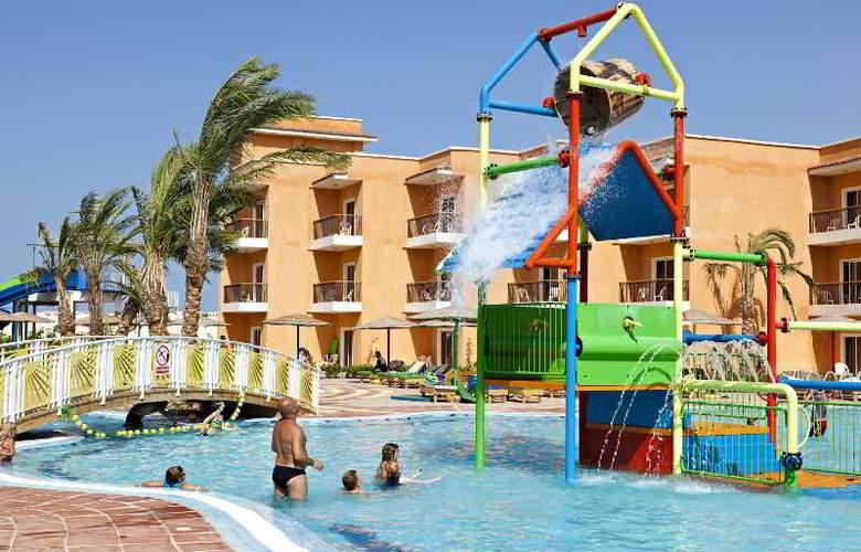 Three Corners Sunny Beach - Pool - 25