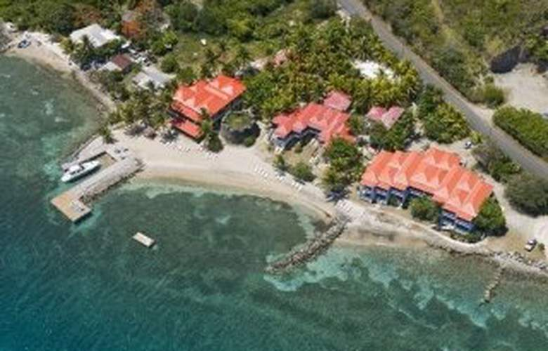 Fort Recovery Beachfront Villa & Suites Hotel - Hotel - 0