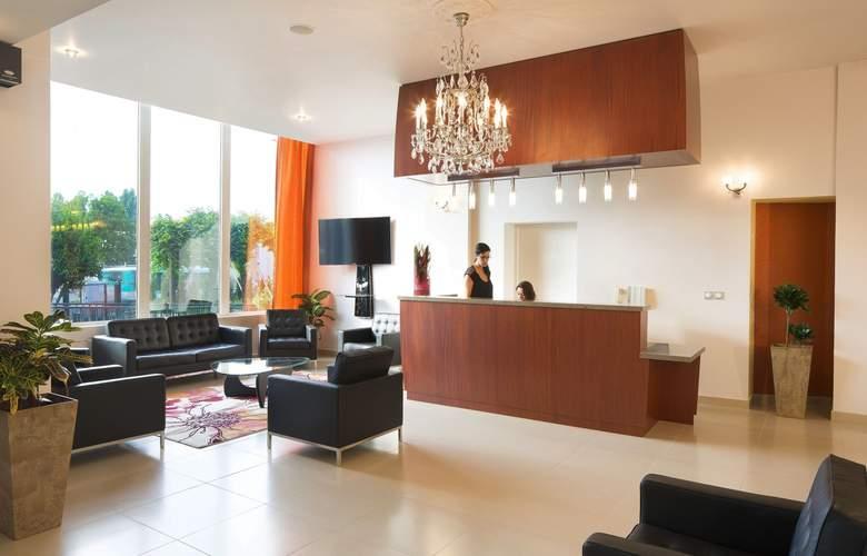 Executive Hotel - General - 1