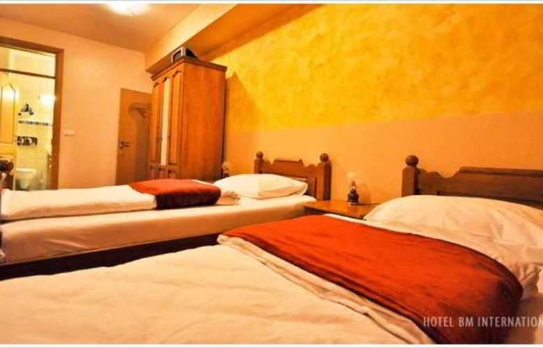 BM Interational Hotel - Room - 7