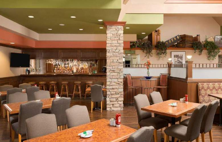 Travelodge Hotel Vancouver Airport - Restaurant - 16