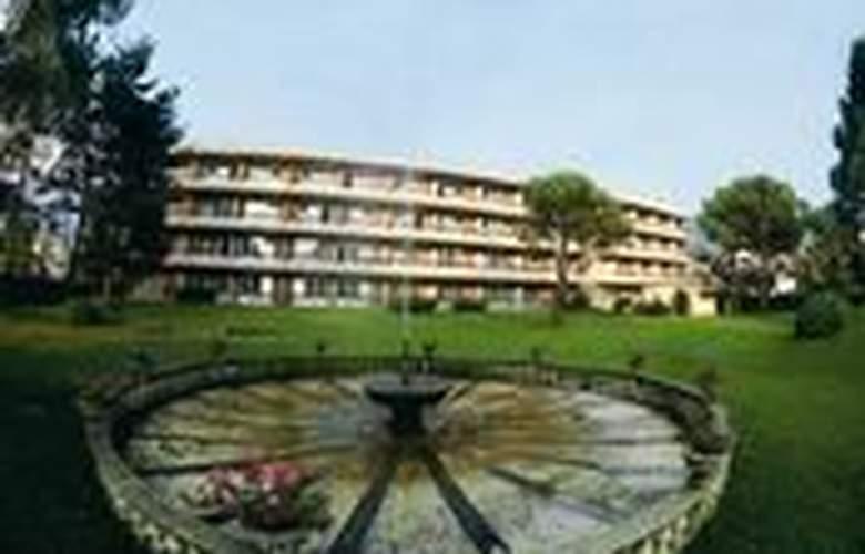 La Perla - Hotel - 0