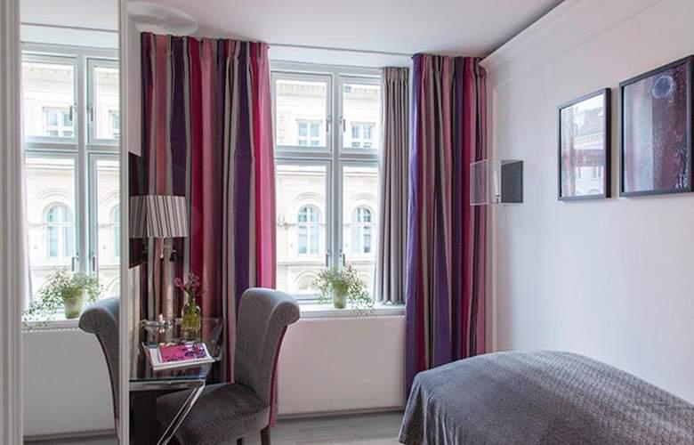 Absalon - Room - 67