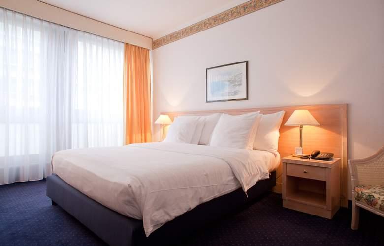 Drake Longchamp - Hotel - 1