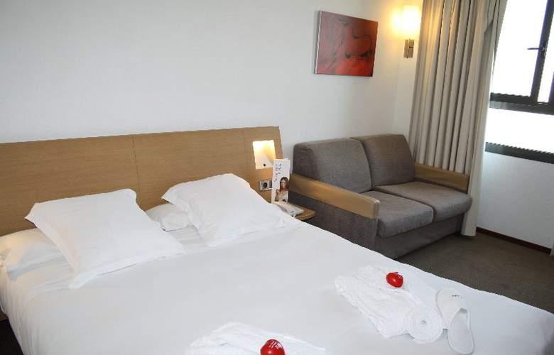 Ilunion Valencia - Room - 19