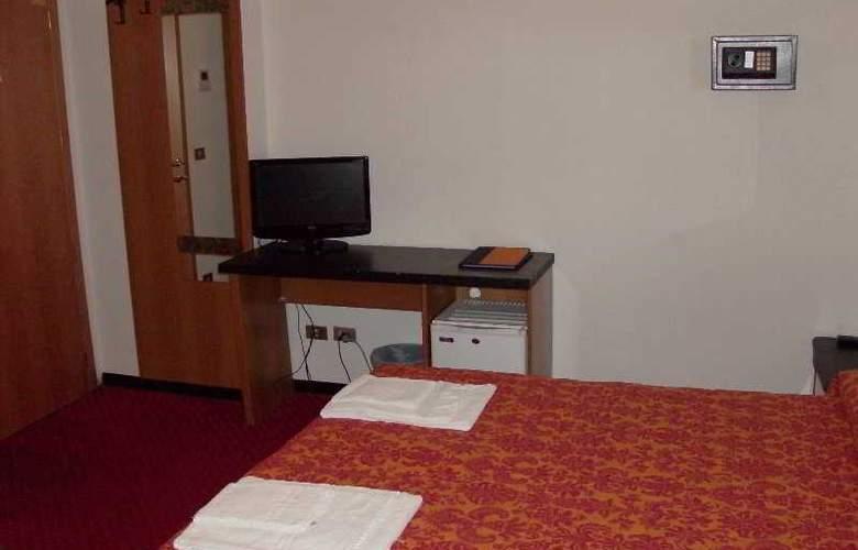 Niagara Rimini - Room - 7