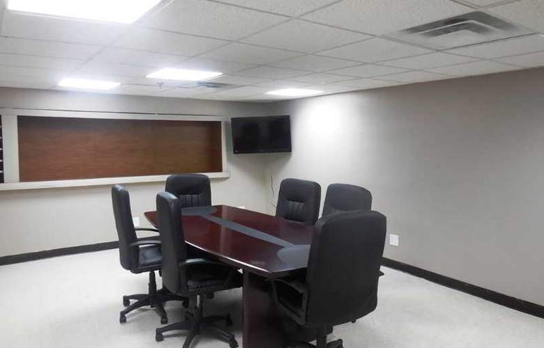 Super 8 Jamaica North Conduit Avenue - Conference - 13