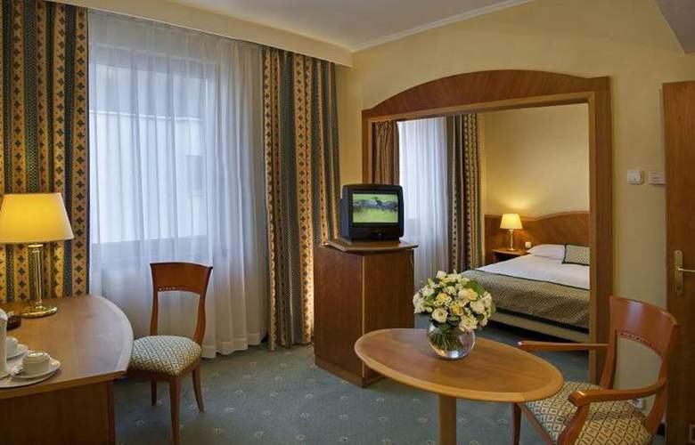 Hungaria City Center - Room - 6