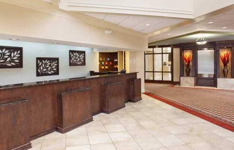 DoubleTree by Hilton Hotel Fayetteville - Hotel - 1