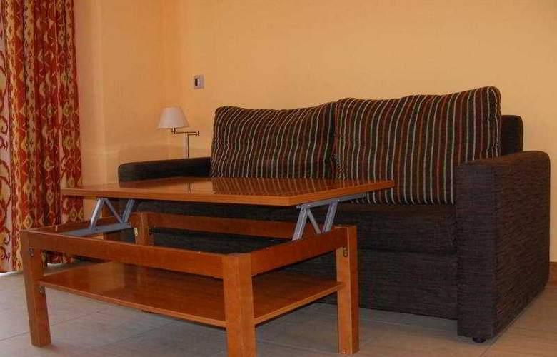 Feijoo Apartamentos Turisticos - Room - 4